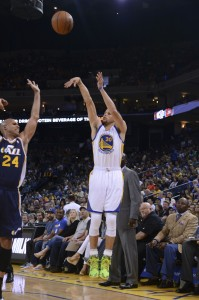 stephen curry shoots a three over richard jefferson