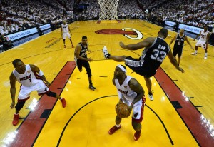 boris diaw falls over lebron james 2014 nba finals game 3