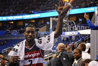 john wall high-fives fan
