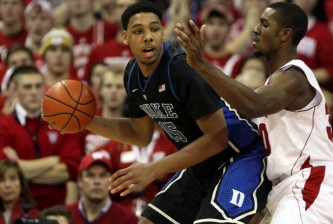duke's jahlil okafor posts up