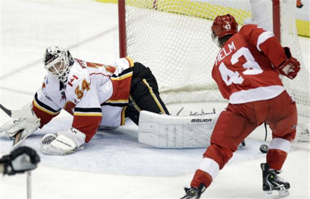 Detroit-Red-Wings-cruise-to-third-straight-dominating-Calgary-Flames-5-3-NHL-Match-Update-113999