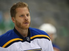 DALLAS, TX - SEPTEMBER 29:  Steve Ott #9 of the St. Louis Blues at American Airlines Center on September 29, 2015 in Dallas, Texas.  (Photo by Ronald Martinez/Getty Images)