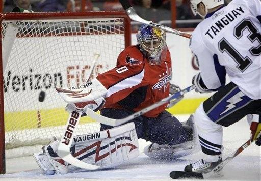 Lightning_Capitals_Hockey-46857.largeslideshow