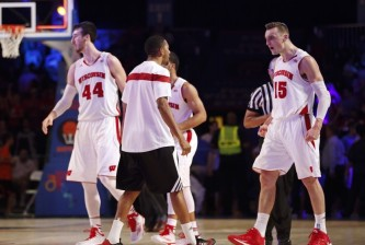 sam-dekker-ncaa-basketball-battle-4-atlantis-georgetown-vs-wisconsin-850x560