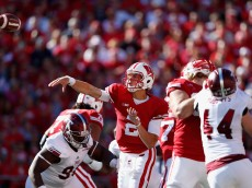 MADISON, WI - SEPTEMBER 19:  Quarterback Joel Stave #2 of the Wisconsin Badgers throws a pass during the second quarter of the college football game against the Troy Trojans at Camp Randall Stadium on September 19, 2015 in Madison, Wisconsin.  (Photo by Christian Petersen/Getty Images)
