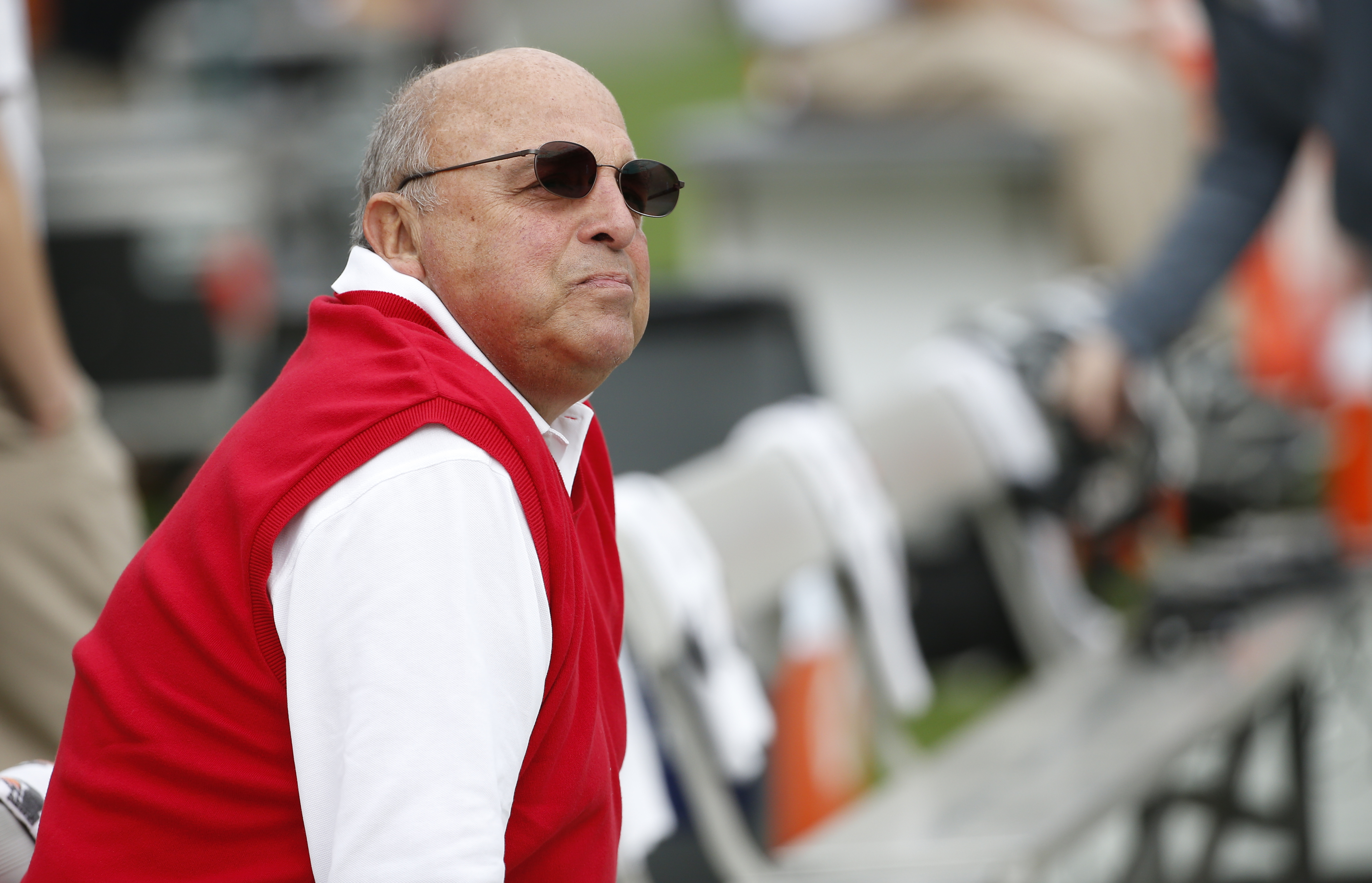 TAMPA, FL - JANUARY 1:  Acting head coach Barry Alvarez of the Wisconsin Badgers looks on from the bench before the start of the Outback Bowl against the Auburn Tigers on January 1, 2015 during  at Raymond James Stadium in Tampa, Florida.  (Photo by Brian Blanco/Getty Images)