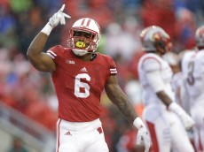 MADISON, WI - OCTOBER 31: Corey Clement #6 of the Wisconsin Badgers celebrates after scoring a touchdown during the first half against the Rutgers Scarlet Knights at Camp Randall Stadium on October 31, 2015 in Madison, Wisconsin. (Photo by Mike McGinnis/Getty Images)