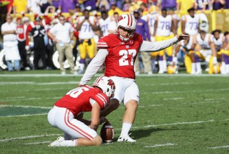 GREEN BAY, WI - SEPTEMBER 03:  Rafael Gaglianone #27 of the Wisconsin Badgers kicks a field goal during the first half against the LSU Tigers at Lambeau Field on September 3, 2016 in Green Bay, Wisconsin.  (Photo by Jonathan Daniel/Getty Images)