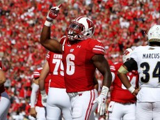 MADISON, WI - SEPTEMBER 10:  Corey Clement #6 of the Wisconsin Badgers celebrates after scoring a touchdown in the second quarter against the Akron Zips at Camp Randall Stadium on September 10, 2016 in Madison, Wisconsin. (Photo by Dylan Buell/Getty Images)