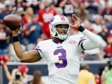 HOUSTON, TX - SEPTEMBER 28:   EJ Manuel #3 of the Buffalo Bills throws a pass during the first quarter of their game against the Houston Texans at NRG Stadium on September 28, 2014 in Houston, Texas.  (Photo by Scott Halleran/Getty Images)