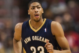 1385950973000-12-01-2013-Anthony-Davis1