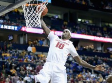 NASHVILLE, TN - MARCH 13:  Bobby Portis #10 of the Arkansas Razorbacks dunks the ball against the Tennessee Volunteers during the quaterfinals of the SEC Basketball Tournament at Bridgestone Arena on March 13, 2015 in Nashville, Tennessee.  (Photo by Andy Lyons/Getty Images)