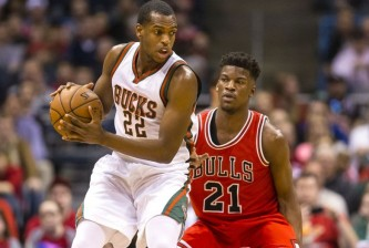 khris-middleton-jimmy-butler-nba-chicago-bulls-milwaukee-bucks-850x560