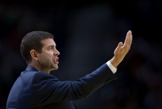 MADRID, SPAIN - OCTOBER 08:  Head coach Brad Stevens of Boston Celtics gives instructions during the friendlies of the NBA Global Games 2015 basketball match between Real Madrid and Boston Celtics at Barclaycard Center on October 8, 2015 in Madrid, Spain.  (Photo by Gonzalo Arroyo Moreno/Getty Images)