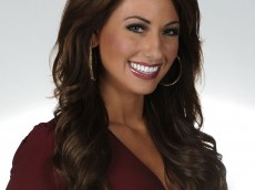 Holly Sonders head shot