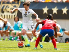 PITTSBURGH, PA - AUGUST 16:  Meghan Klingenberg #22 of the United States carries the ball in front of Diana Saenz #5 of Costa Rica in the second half during the match at Heinz Field on August 16, 2015 in Pittsburgh, Pennsylvania.  (Photo by Jared Wickerham/Getty Images)