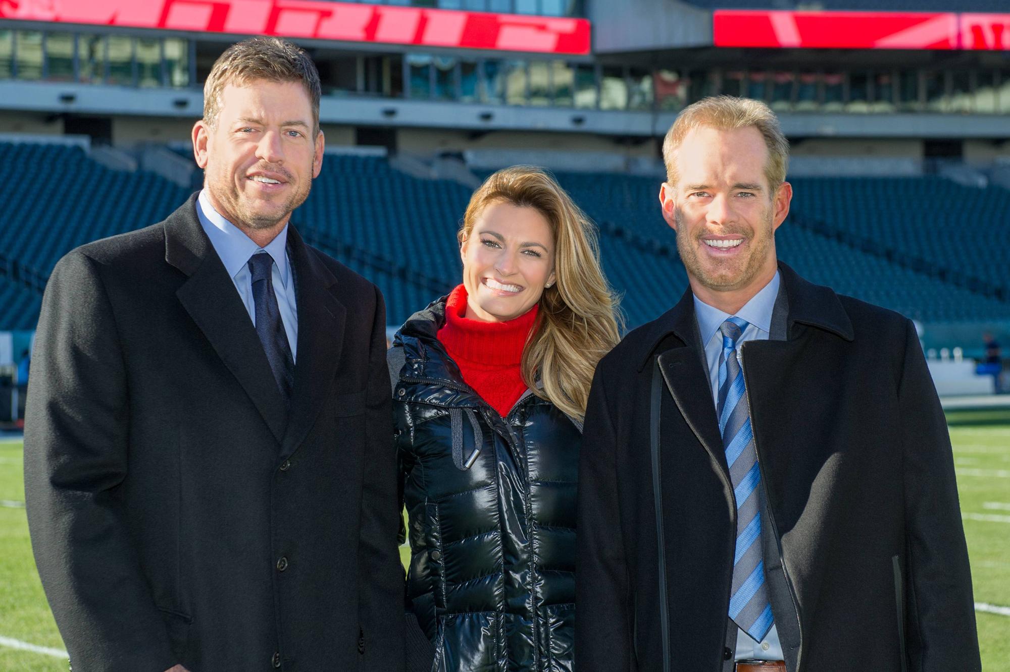 Troy Aikman, Erin Andrews and Joe Buck on the field in Philadelphia