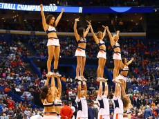 ST LOUIS, MO - MARCH 18: The Syracuse Orange cheerleaders perform in the first half against the Dayton Flyers during the first round of the 2016 NCAA Men's Basketball Tournament at Scottrade Center on March 18, 2016 in St Louis, Missouri.  (Photo by Dilip Vishwanat/Getty Images)