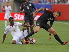 CHICAGO, IL - JUNE 07: Joel Campbell #12 of Costa Rica and Geoff Cameron #20 of the United States battle for the ball during a match in the 2016 Copa America Centenario at Soldier Field on June 7, 2016 in Chicago, Illinois. (Photo by Jonathan Daniel/Getty Images)