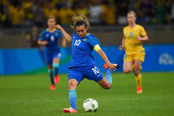 BELO HORIZONTE, BRAZIL - AUGUST 12: Marta #10 of Brazil kicks the ball against Australia during the second half of the Women's Football Quarterfinal match at Mineirao Stadium on Day 7 of the Rio 2016 Olympic Games on August 12, 2016 in Belo Horizonte, Brazil. (Photo by Pedro Vilela/Getty Images)