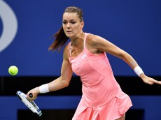 NEW YORK, NY - SEPTEMBER 05:  Agnieszka Radwanska of Poland returns a shot to Ana Konjuh of Croatia during her fourth round Women's Singles match on Day Eight of the 2016 US Open at the USTA Billie Jean King National Tennis Center on September 5, 2016 in the Flushing neighborhood of the Queens borough of New York City.  (Photo by Mike Hewitt/Getty Images)