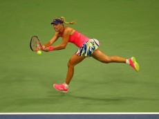 NEW YORK, NY - SEPTEMBER 08:  Angelique Kerber of Germany returns a shot against Caroline Wozniacki of Denmark during their Women's Singles Semifinal Match on Day Eleven of the 2016 US Open at the USTA Billie Jean King National Tennis Center on September 8, 2016 in the Queens borough of New York City.  (Photo by Mike Stobe/Getty Images for USTA)