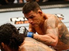 dm_140824_UFC_HENDERSON_DOSANJOS347