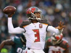 PHILADELPHIA, PA - NOVEMBER 22:  Quarterback Jameis Winston #3 of the Tampa Bay Buccaneers looks to pass against the Philadelphia Eagles in the third quarter at Lincoln Financial Field on November 22, 2015 in Philadelphia, Pennsylvania.  (Photo by Elsa/Getty Images)