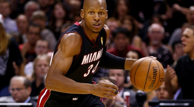 SAN ANTONIO, TX - JUNE 15:  Ray Allen #34 of the Miami Heat drives to the basket against the San Antonio Spurs during Game Five of the 2014 NBA Finals at the AT&T Center on June 15, 2014 in San Antonio, Texas. NOTE TO USER: User expressly acknowledges and agrees that, by downloading and or using this photograph, User is consenting to the terms and conditions of the Getty Images License Agreement.  (Photo by Andy Lyons/Getty Images)