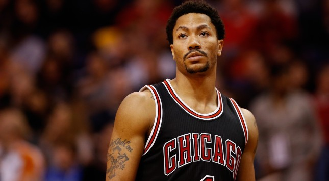 PHOENIX, AZ - JANUARY 30:  Derrick Rose #1 of the Chicago Bulls during the NBA game against the Phoenix Suns at US Airways Center on January 30, 2015 in Phoenix, Arizona. The Suns defeated the Bulls 99-93.  NOTE TO USER: User expressly acknowledges and agrees that, by downloading and or using this photograph, User is consenting to the terms and conditions of the Getty Images License Agreement.  (Photo by Christian Petersen/Getty Images)