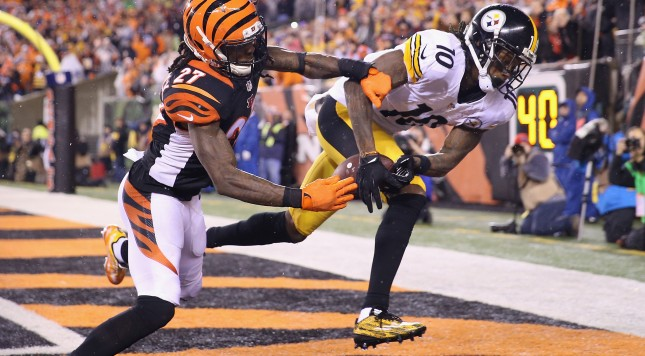 CINCINNATI, OH - JANUARY 09:  Martavis Bryant #10 of the Pittsburgh Steelers scores a touchdown in the third quarter as Dre Kirkpatrick #27 of the Cincinnati Bengals defends him during the AFC Wild Card Playoff game at Paul Brown Stadium on January 9, 2016 in Cincinnati, Ohio.  (Photo by Andy Lyons/Getty Images)