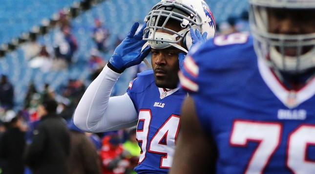 ORCHARD PARK, Ny - JANUARY 03: Mario Williams #94 of the Buffalo Bills warms up before the game against the New York Jets at Ralph Wilson Stadium on January 3, 2016 in Orchard Park, New York. (Photo by Michael Adamucci/Getty Images)