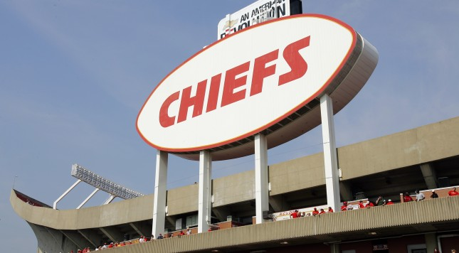 KANSAS CITY, MO - SEPTEMBER 11:  An exterior view of the eastern face of Arrowhead Stadium before a game between the New York Jets and the Kansas City Chiefs on September 11, 2005 in Kansas City, Missouri.  The Chiefs won 27-7.  (Photo by Brian Bahr/Getty Images)