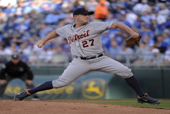 KANSAS CITY, MO - APRIL 20:  Jordan Zimmermann #27 of the Detroit Tigers throws in the first inning against the Kansas City Royals at Kauffman Stadium on April 20, 2016 in Kansas City, Missouri. (Photo by Ed Zurga/Getty Images) *** Local Caption *** Jordan Zimmermann