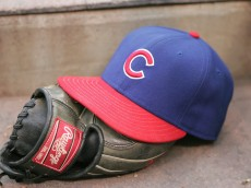 CINCINNATI, OH - SEPTEMBER 29: A view of the Chicago Cubs hat and glove during the MLB game the Cincinnati Reds on September 29, 2007 at Great American Ballpark in Cincinnati, Ohio.  The Cubs defeadted the Reds 4-0.  (Photo by: Mark Lyons/Getty Images)