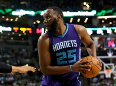 BOSTON, MASSACHUSETTS - APRIL 11: Al Jefferson #25 of the Charlotte Hornets handles the ball in the first half against the Boston Celtics at TD Garden on April 11, 2016 in Boston, Massachusetts. NOTE TO USER: User expressly acknowledges and agrees that, by downloading and/or using this photograph, user is consenting to the terms and conditions of the Getty Images License Agreement.  (Photo by Mike Lawrie/Getty Images)