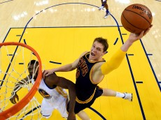 OAKLAND, CA - JUNE 05:  Timofey Mozgov #20 of the Cleveland Cavaliers goes up for a shot against the Golden State Warriors in Game 2 of the 2016 NBA Finals at ORACLE Arena on June 5, 2016 in Oakland, California. NOTE TO USER: User expressly acknowledges and agrees that, by downloading and or using this photograph, User is consenting to the terms and conditions of the Getty Images License Agreement.  (Photo by Bob Donnan/Pool/Getty Images)