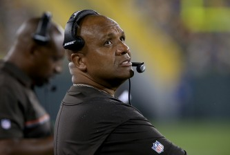 GREEN BAY, WI - AUGUST 12:  Head coach Hue Jackson of the Cleveland Browns looks to the scoreboard in the third quarter against the Green Bay Packers at Lambeau Field on August 12, 2016 in Green Bay, Wisconsin. (Photo by Dylan Buell/Getty Images)