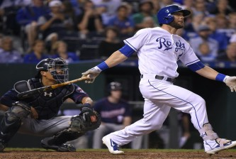 KANSAS CITY, MO - AUGUST 20:  Alex Gordon #4 of the Kansas City Royals hits a ground-rule double in the seventh inning against the Minnesota Twins at Kauffman Stadium on August 20, 2016 in Kansas City, Missouri. (Photo by Ed Zurga/Getty Images)