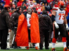 KANSAS CITY, MO - DECEMBER 27:  Quarterback Johnny Manziel #2 of the Cleveland Browns watches from the sidelines during the game against the Kansas City Chiefs at Arrowhead Stadium on December 27, 2015 in Kansas City, Missouri.  (Photo by Jamie Squire/Getty Images)