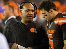 CLEVELAND, OH - SEPTEMBER 1: Head coach Hue Jackson talks with quarterback Cody Kessler #5 of the Cleveland Browns during the third quarter against the Chicago Bears during a preseason game at FirstEnergy Stadium on September 1, 2016 in Cleveland, Ohio. The Bears defeated the Browns 21-7. (Photo by Jason Miller/Getty Images)