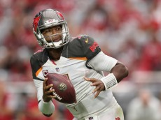 GLENDALE, AZ - SEPTEMBER 18:  Quarterback Jameis Winston #3 of the Tampa Bay Buccaneers drops back to pass during the NFL game against the Arizona Cardinals at the University of Phoenix Stadium on September 18, 2016 in Glendale, Arizona. The Cardinals defeated the Buccaneers  40-7.  (Photo by Christian Petersen/Getty Images)
