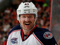 PHILADELPHIA, PA - NOVEMBER 22:  Scott Hartnell #43 of the Columbus Blue Jackets looks on before a face off in the first period against the Philadelphia Flyers on November 22, 2014 at the Wells Fargo Center in Philadelphia, Pennsylvania.  (Photo by Elsa/Getty Images)