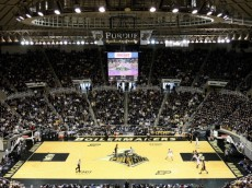 WEST LAFAYETTE, IN - JANUARY 09:  A general view of the Iowa Hawkeyes playing offense in the second half against the Purdue Boilermakers at Mackey Arena on January 9, 2011 in West Lafayette, Indiana.  (Photo by Chris Chambers/Getty Images)