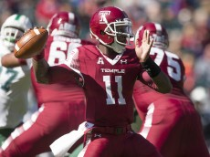 PHILADELPHIA, PA - OCTOBER 10: P.J. Walker #11 of the Temple Owls throws a pass in the game against the Tulane Green Wave on October 10, 2015 atLincoln Financial field in Philadelphia, Pennsylvania.  (Photo by Mitchell Leff/Getty Images)