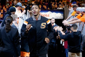 PHOENIX, AZ - FEBRUARY 23:  Brandon Knight #3 of the Phoenix Suns runs out onto the court before the NBA game against the Boston Celtics at US Airways Center on February 23, 2015 in Phoenix, Arizona. NOTE TO USER: User expressly acknowledges and agrees that, by downloading and or using this photograph, User is consenting to the terms and conditions of the Getty Images License Agreement.  (Photo by Christian Petersen/Getty Images)