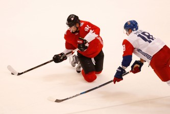 TORONTO, ON - SEPTEMBER 17: Steven Stamkos #91 of Team Canada makes a pass from his knees next to Ondrej Palat #18 of Team Czech Republic during the World Cup of Hockey at the Air Canada Center on September 17, 2016 in Toronto, Canada. (Photo by Gregory Shamus/Getty Images)