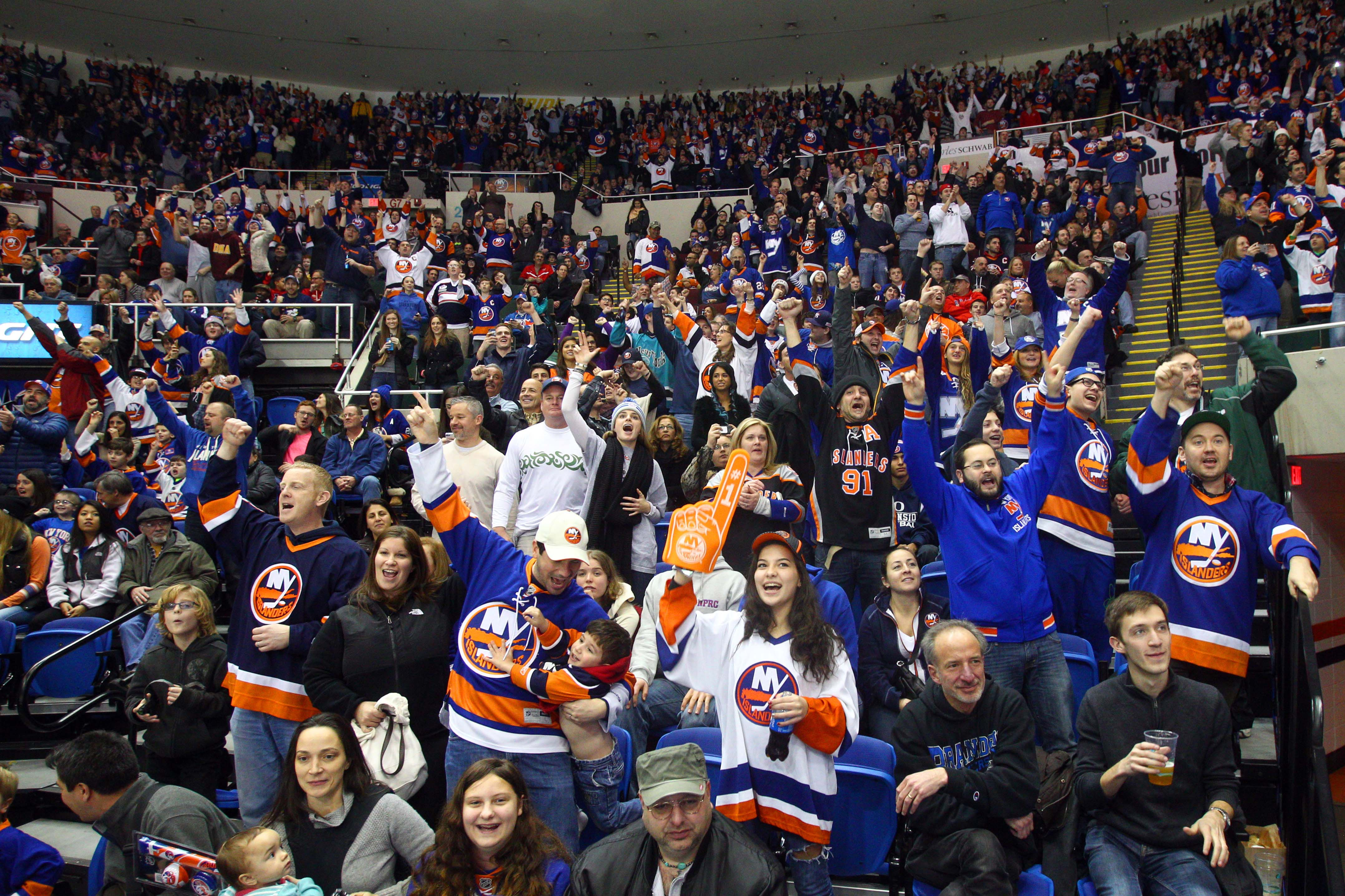 f0c4941d8 Islanders  Fans Hold One Key To Transition