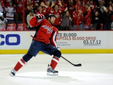 WASHINGTON, DC - FEBRUARY 24:  Jason Chimera #25 of the Washington Capitals celebrates after scoring a goal against the Montreal Canadiens during the second period at Verizon Center on February 24, 2012 in Washington, DC.  (Photo by Patrick McDermott/Getty Images)