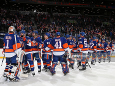 Islanders Defeat the Boston Bruins